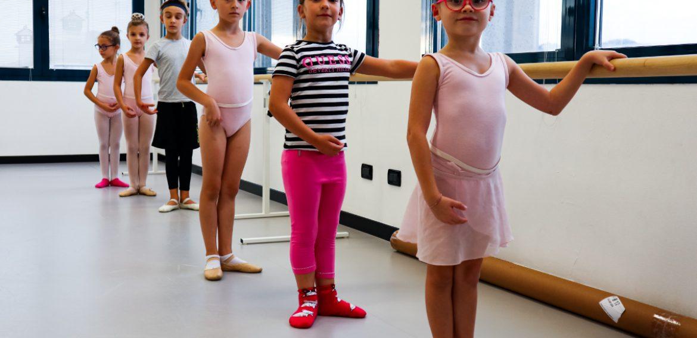 La danza classica? È (anche) un gioco da bambini!